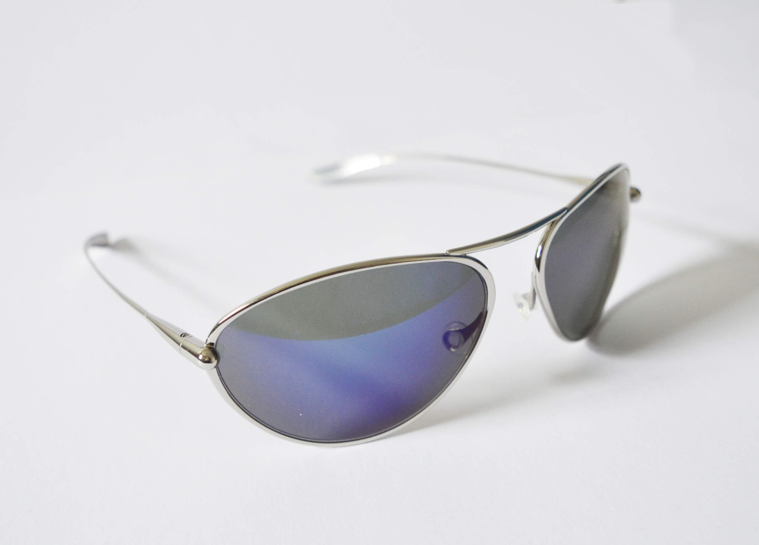 Tropo - Polished Titanium Frame Iridescent Blue Mirror Grey High-Contrast Sunglasses
