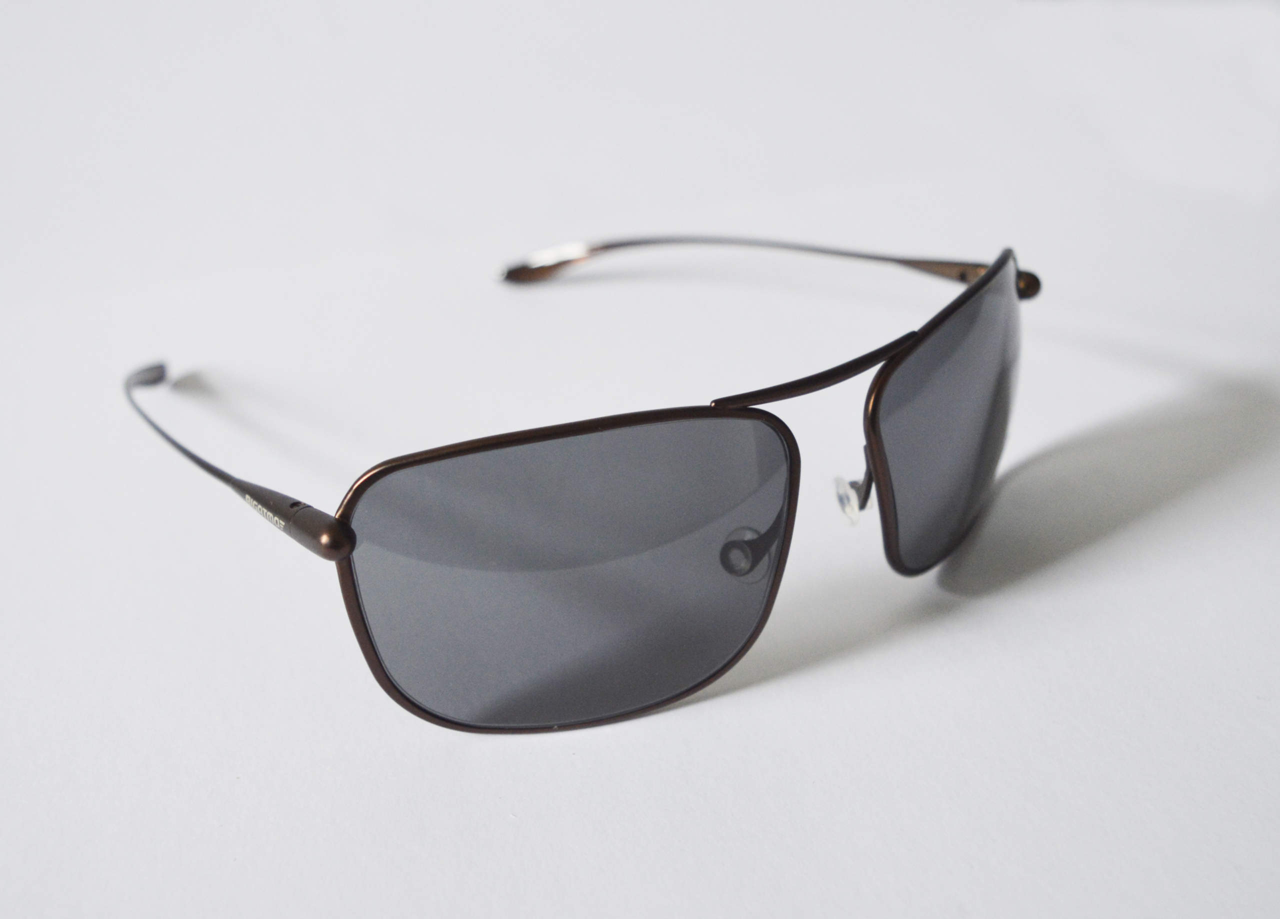 Iono - Brunello Titanium Frame High-Contrast Sunglasses